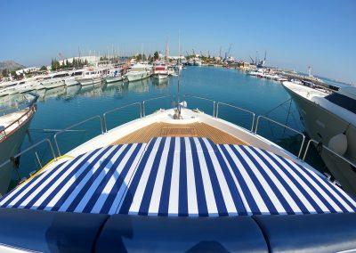 Hilton Head Yacht Charter's Top Shelf's Bow