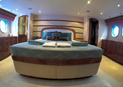 Hilton Head Yacht Charter's Top Shelf's full beam master stateroom